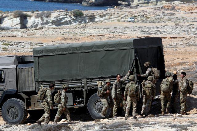 Βρετανός στρατιώτης έχασε τη ζωή του πολεμώντας τον ISIS | tovima.gr
