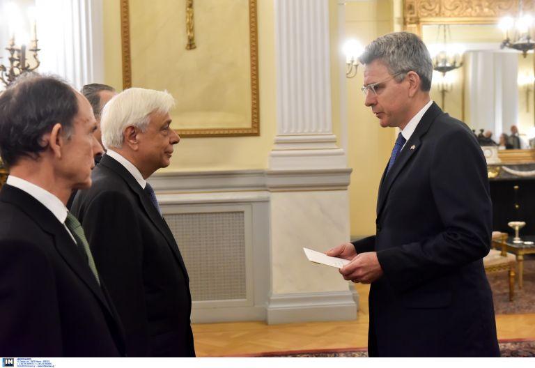 Τι θα κάνει ο αμερικανός πρέσβης στο Αγιο Ορος   tovima.gr