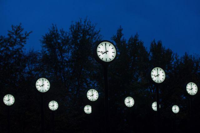 Μόνιμη υιοθέτηση της θερινής ώρας στην ΕΕ προτείνει ο Γιουνκέρ | tovima.gr