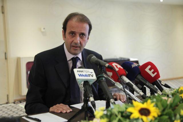 Λαζαράτος: Αυτά που ετοιμάζει η κυβέρνηση είναι επίσης αντισυνταγματικά | tovima.gr