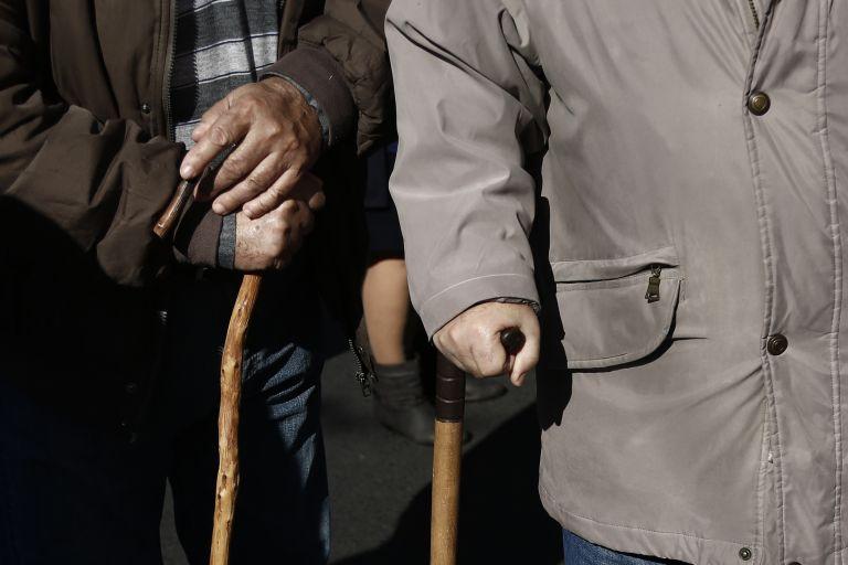 Χωρίς αιτήσεις η επιστροφή εισφορών στους συνταξιούχους | tovima.gr