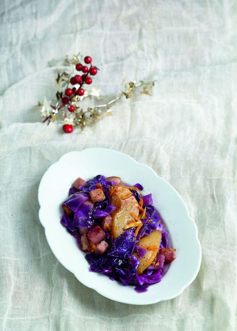 Κόκκινο λάχανο στην κατσαρόλα με αχλάδια και μπίρα   tovima.gr