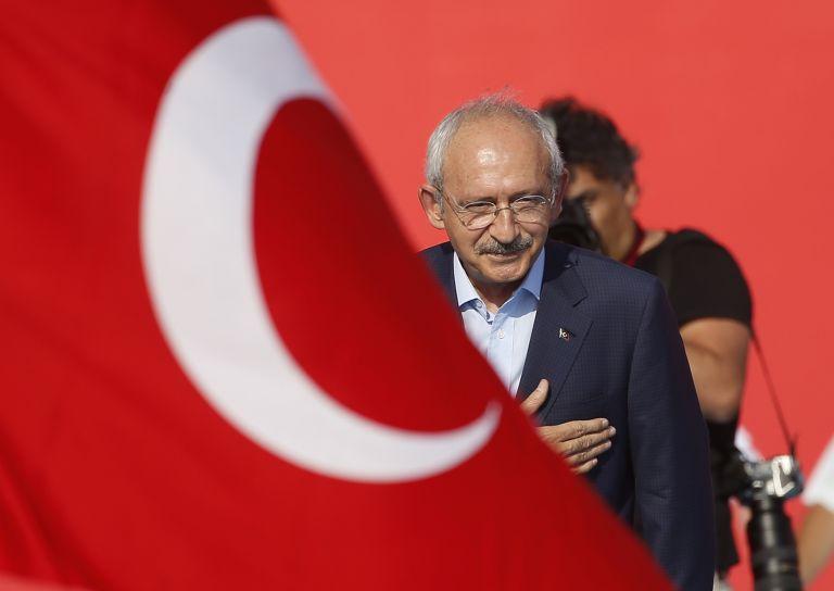Turkey's main opposition leader disputes Greek sovereignty in Aegan | tovima.gr