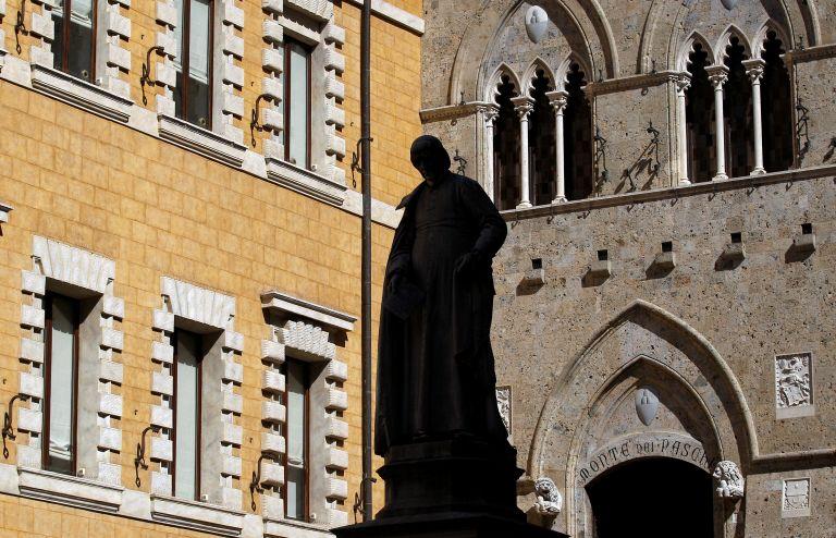 Monte dei Paschi di Siena: Πουλάει «κόκκινα» δάνεια €28 δισ. για να σωθεί   tovima.gr