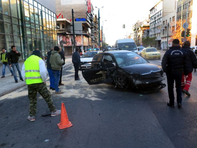 Six seriously injured in major collision on Syngrou Avenue | tovima.gr