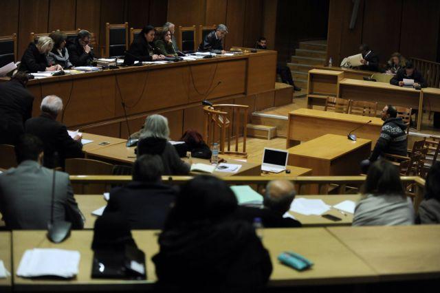 Δίκη ΧΑ: Η υπεράσπιση Μπούκουρα ζητεί δίωξη μάρτυρα από το ΠΑΜΕ | tovima.gr
