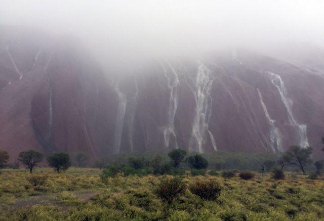 Βιβλική καταστροφή από ισχυρές βροχοπτώσεις στην Αυστραλία | tovima.gr
