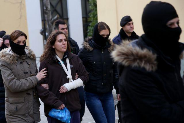 Σε ένοπλη ρήξη με το κράτος καλεί η Κων. Αθανασοπούλου | tovima.gr