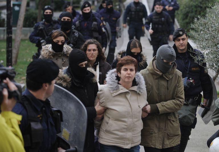 Υπόθεση Ρούπα: «Θα ανατιναχτώ με χειροβομβίδες και θα σκοτώσω αστυνομικούς» | tovima.gr