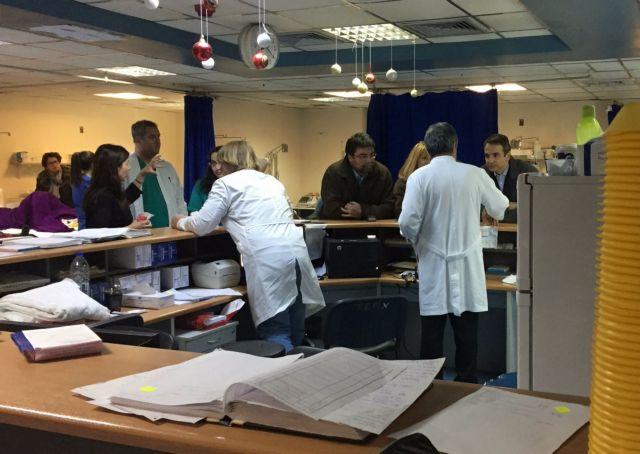 Επίσκεψη του Κυριάκου Μητσοτάκη στον Ευαγγελισμό | tovima.gr