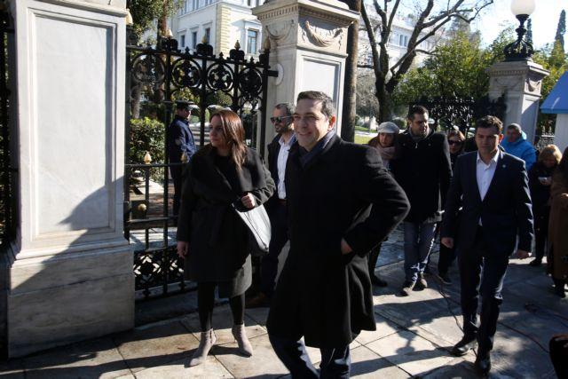 Επικοινωνία Τσίπρα με Μέρκελ και Ολάντ για το Κυπριακό   tovima.gr