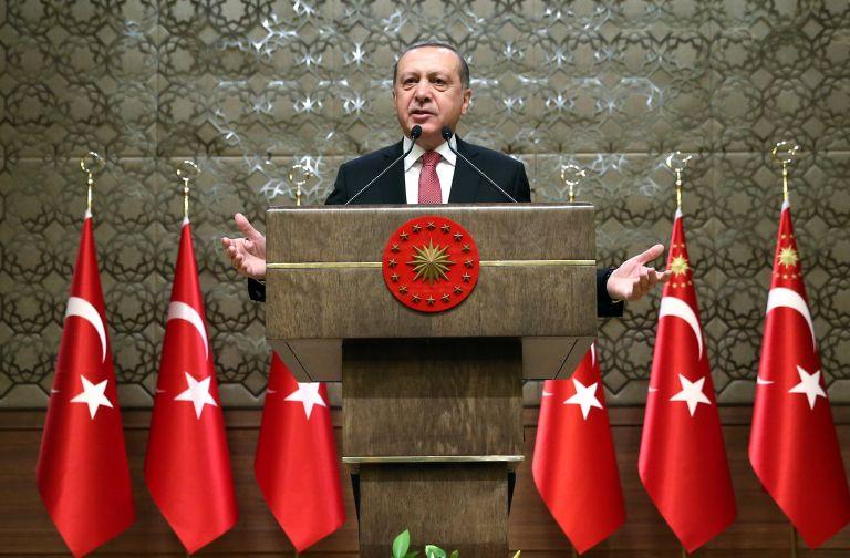 Ερντογάν: Η πτώση της λίρας οφείλεται σε «τρομοκράτες» | tovima.gr
