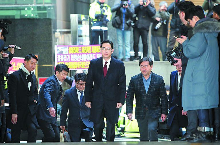 Σκάνδαλο διαφθοράς «έσκασε» στη Samsung | tovima.gr
