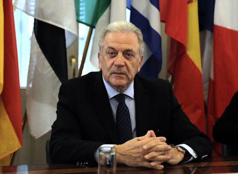Αβραμόπουλου: Επαφές με Google, Facebook και Twitter για την τρομοκρατία   tovima.gr