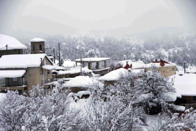 Στα λευκά η δυτική Μακεδονία – Πού χρειάζονται αλυσίδες | tovima.gr