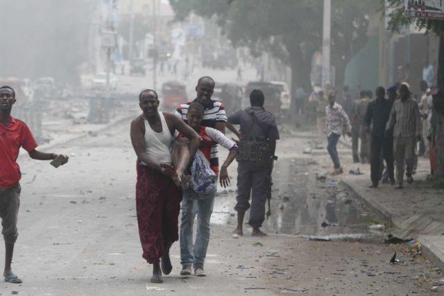 Σομαλία: Δεκάδες νεκροί και τραυματίες από επίθεση σε ξενοδοχείο του Μογκαντίσου   tovima.gr
