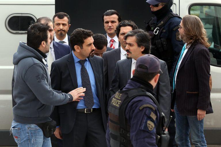 Asylum application of Turkish officer of Kurdish descent a J'accuse! against Erdogan   tovima.gr