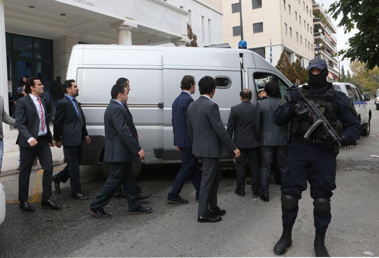 Νέο αίτημα της Τουρκίας για την έκδοση των οκτώ αξιωματικών   tovima.gr