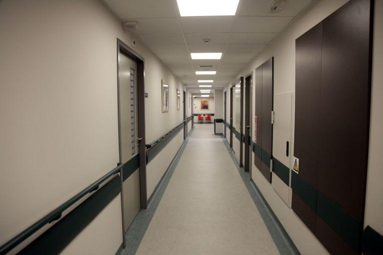 Κόντρα εταιρειών security με ιδιωτικούς αστυνομικούς νοσοκομείων | tovima.gr