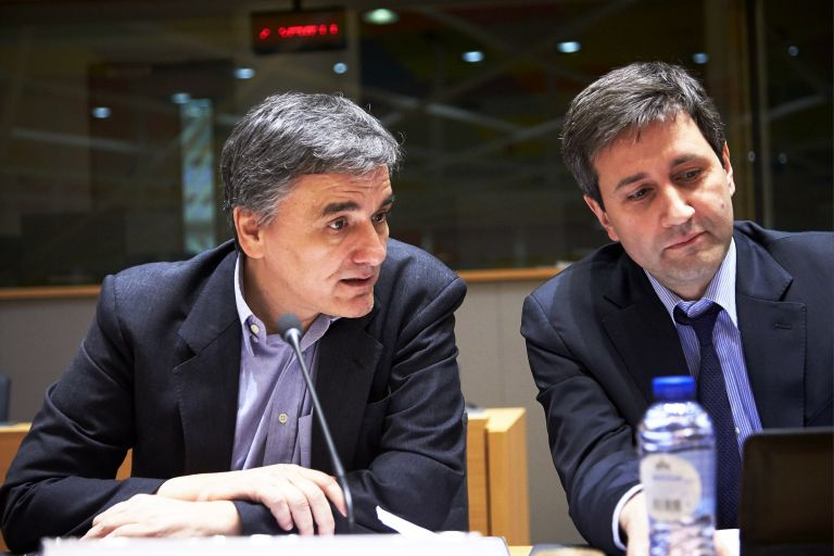 Brussels negotiations: Tsakalotos – Houliarakis – Ahtsioglou facing creditors' tough demands | tovima.gr
