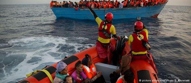 Διαξιφισμοί Frontex και MKO για τη διάσωση προσφύγων   tovima.gr
