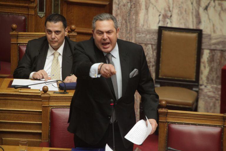 Καμμένος προς Θεοχαρόπουλο: Κάτσε κάτω ρε! | tovima.gr