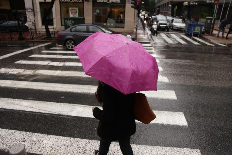 Καιρός:  Πιθανότητα για βροχές και τοπικές καταιγίδες από το απόγευμα | tovima.gr