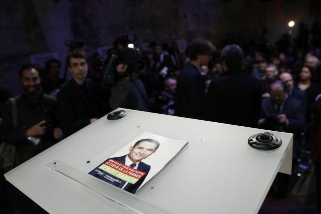 Γαλλία: Ο Αμόν χάνει έδαφος, ο Μακρόν επικρατέστερος νικητής στον β' γύρο | tovima.gr