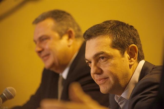 Οταν ο Τσίπρας προσπαθεί να διορθώσει τον Καμμένο | tovima.gr