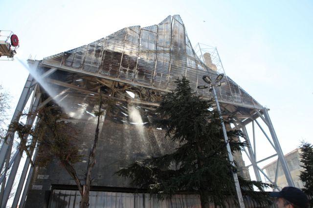 Έντονη αντίδραση των αρχαιολόγων για τις ζημιές στο τέμενος Βαγιαζήτ | tovima.gr