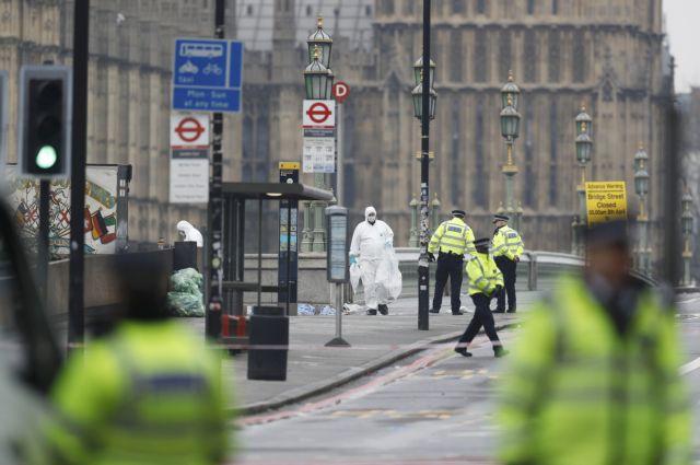 «Το όχημα χτύπησε τους ανθρώπους δίπλα μου» λέει Ελληνίδα στο Λονδίνο | tovima.gr