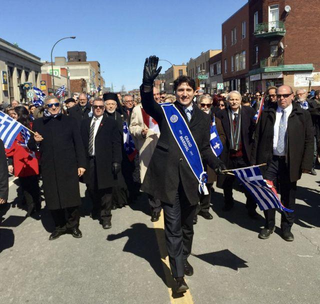 Ο Τζάστιν Τριντό τελετάρχης στην παρέλαση της 25ης στο Τορόντο | tovima.gr
