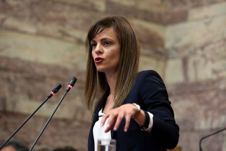 Αχτσιόγλου: Οι συλλογικές συμβάσεις δεν είναι ιδεοληψία | tovima.gr
