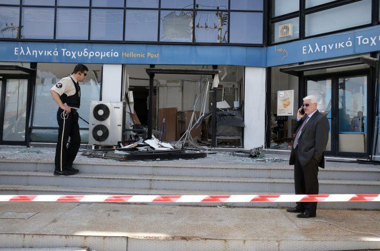 Συνέλαβαν τον δράστη της ληστείας των ΕΛΤΑ στα Πατήσια   tovima.gr
