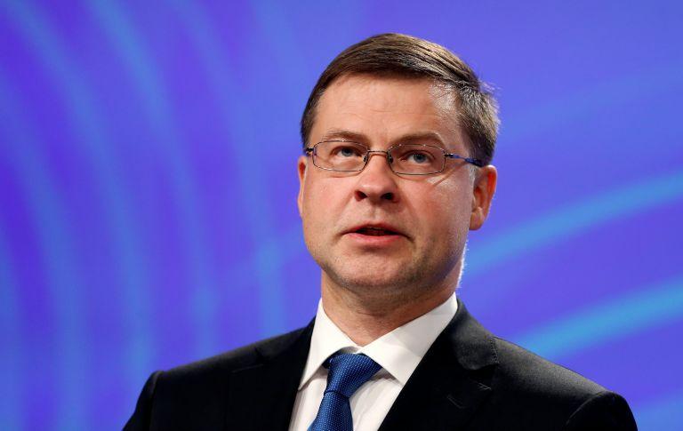 Ντομπρόβσκις: Ωρα να κλείσει η β' αξιολόγηση | tovima.gr