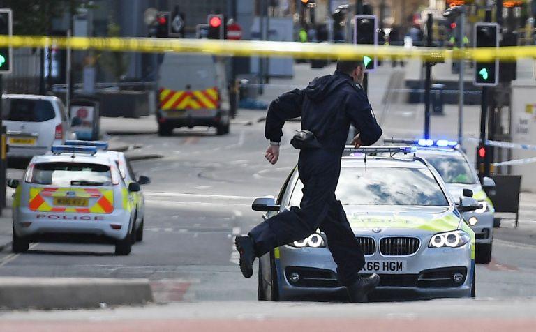 Τέλος από την αστυνομία στην ομηρεία πολιτών στην Βρετανία | tovima.gr