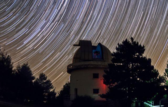 Ελληνικό τηλεσκόπιο καταγράφει προσκρούσεις μετεώρων στη Σελήνη | tovima.gr