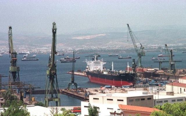 Συνάντηση Π. Κουρουμπλή με εκπροσώπους εργαζομένων στα ναυπηγεία Σκαραμαγκά | tovima.gr