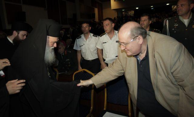 Ο Φίλης σηκώνει το… λάβαρο του διαχωρισμού Κράτους – Εκκλησίας | tovima.gr