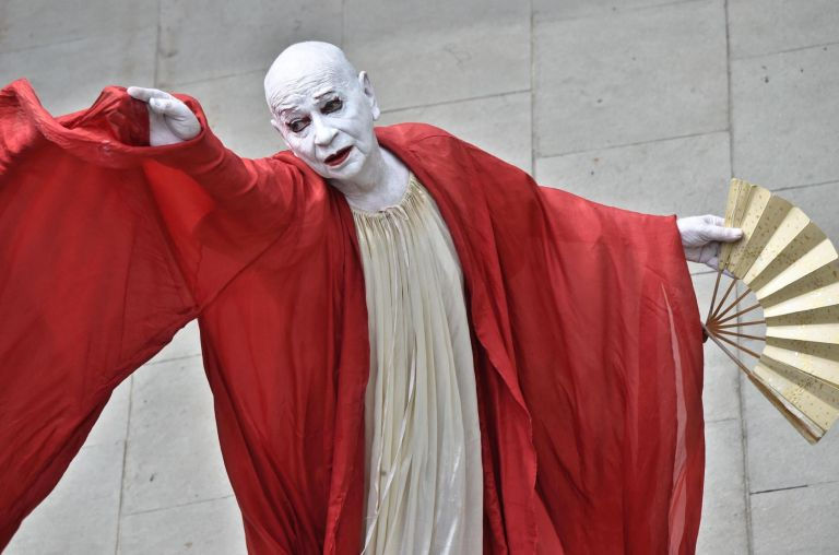 Πέθανε ο χορογράφος, χορευτής και μίμος Λίντσεϊ Κεμπ | tovima.gr