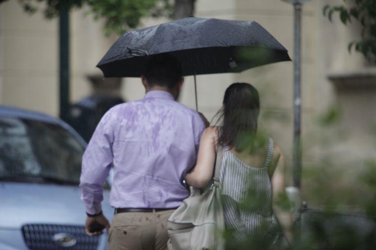 Βροχές και καταιγίδες στο μεγαλύτερο μέρος της χώρας | tovima.gr