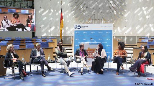 Deutsche Welle: Τα media μπροστά στον αυταρχισμό και στα… ρομπότ   tovima.gr