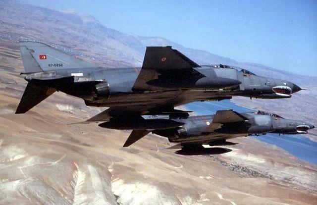 Νέες τουρκικές προκλήσεις με υπερπτήσεις F-4 στο Αιγαίο | tovima.gr