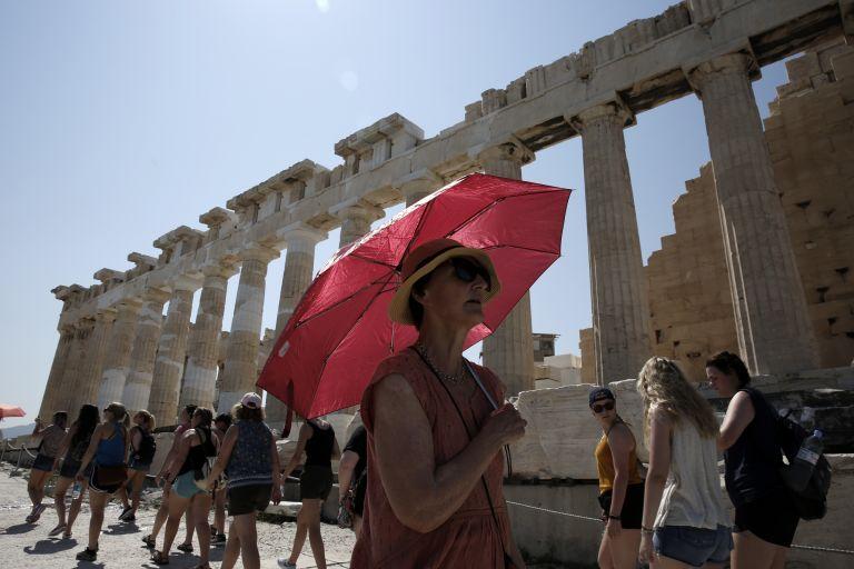 Κλείνει νωρίτερα λόγω καύσωνα ο αρχαιολογικός χώρος της Ακρόπολης | tovima.gr