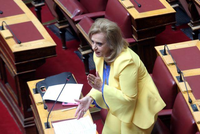«Φαρ-ουέστ» το καφενείο της Βουλής: Η Μεγαλοοικονόμου κοπάνισε με το κινητό στο κεφάλι θαμώνα   tovima.gr