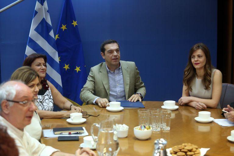 Η κυβέρνηση… επιστρέφει στις υποσχέσεις του 2015 | tovima.gr