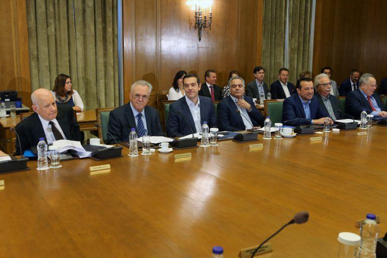Οι αλλαγές στο Λύκειο και οι πυρκαγιές στο υπουργικό συμβούλιο | tovima.gr