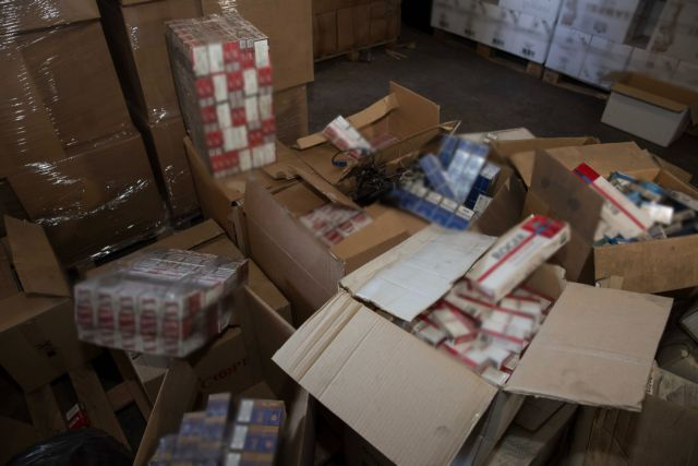 Θεσσαλονίκη: Κατασχέθηκαν χιλιάδες πακέτα τσιγάρα – Συνελήφθησαν 6 άτομα | tovima.gr