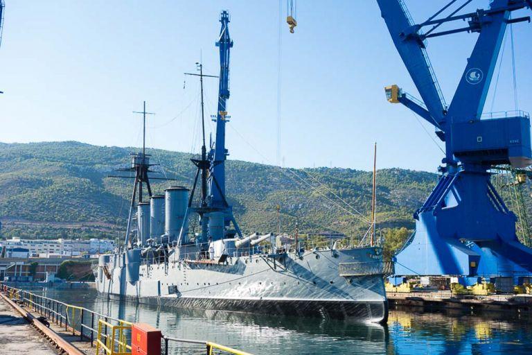 Στο Δημόσιο η «Δεξαμενή 5» των Ναυπηγείων Σκαραμαγκά | tovima.gr