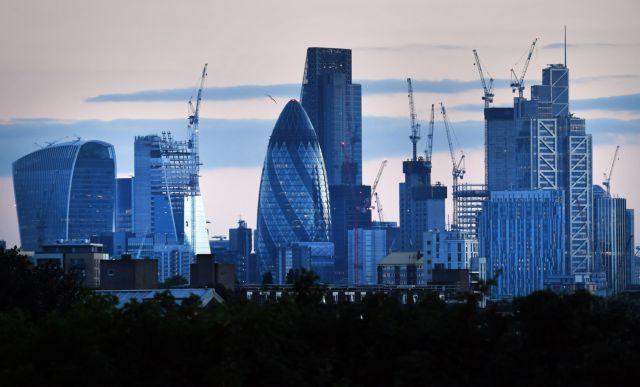 Βρετανία: Ακόμη μεγαλύτερες ελλείψεις προσωπικού λόγω Brexit | tovima.gr